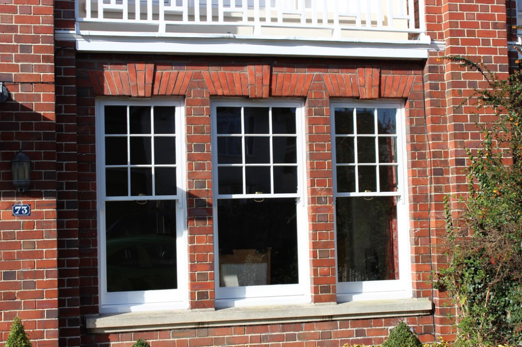 Sash window manufacturers bristol for Window manufacturers